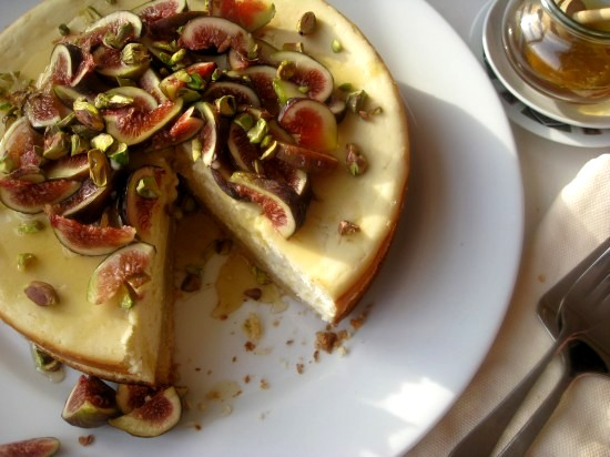 Goat Cheese Cheesecake goat's cheese cake with figs and honey | mybestdaysever