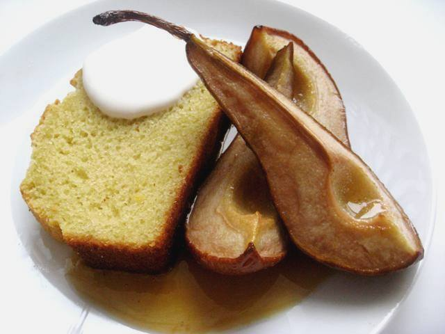 Olive Oil and Sauternes Cake with Roast Pears   Mybestdaysever.com