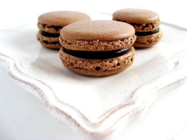 Chocolate Macarons with Chocolate Caramel Ganache | Mybestdaysever.com